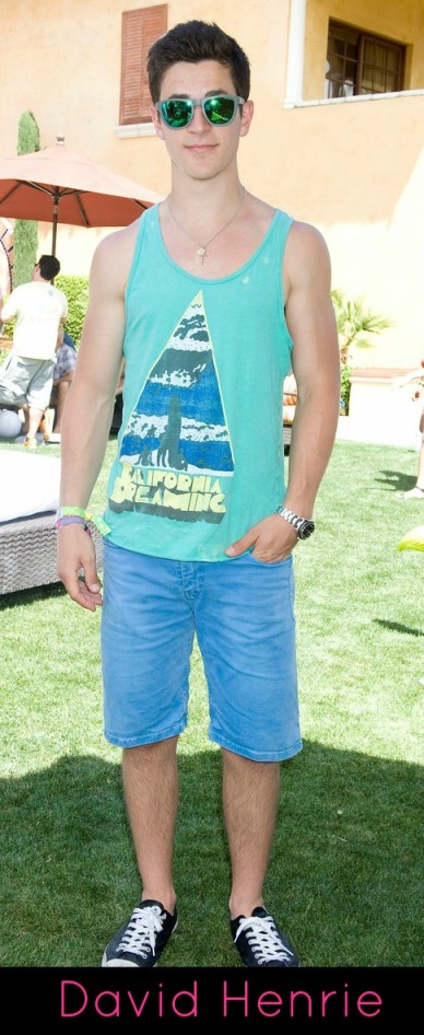 david-henrie-william-moseley-just-jared-armani-exchange-music-festival-brunch-09
