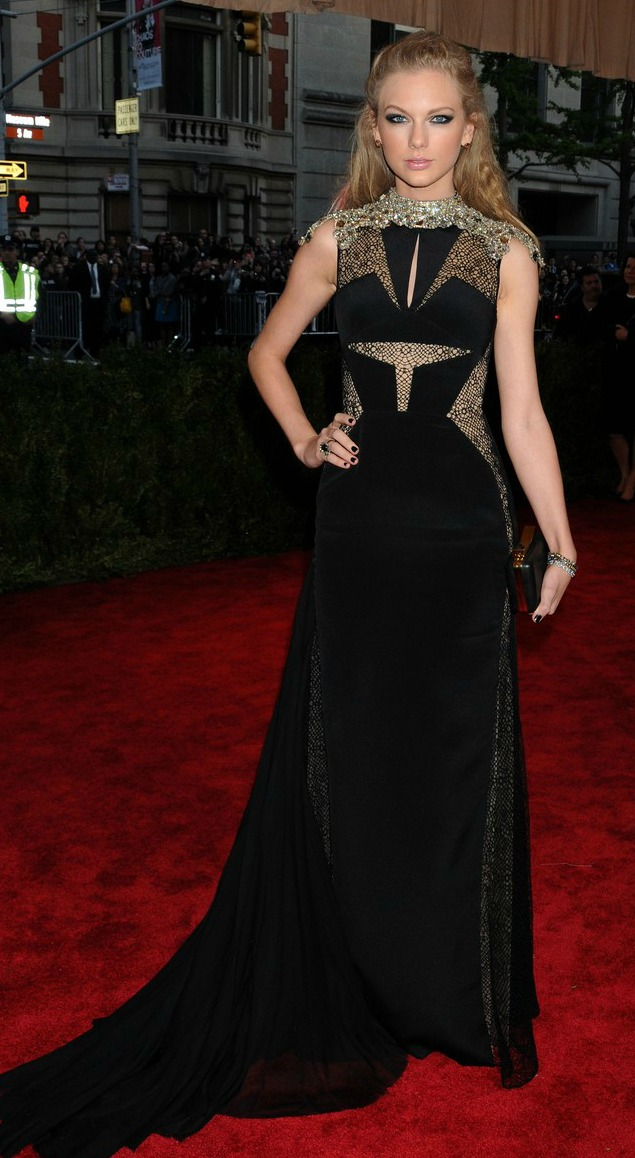 taylor-swift-met-ball-2013-red-carpet-01